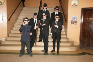 Astor - Blues Brothers - audience in lobby